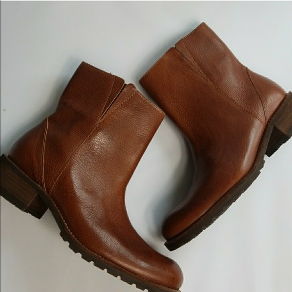 Ll Bean Distressed Pebble Leather Ankle